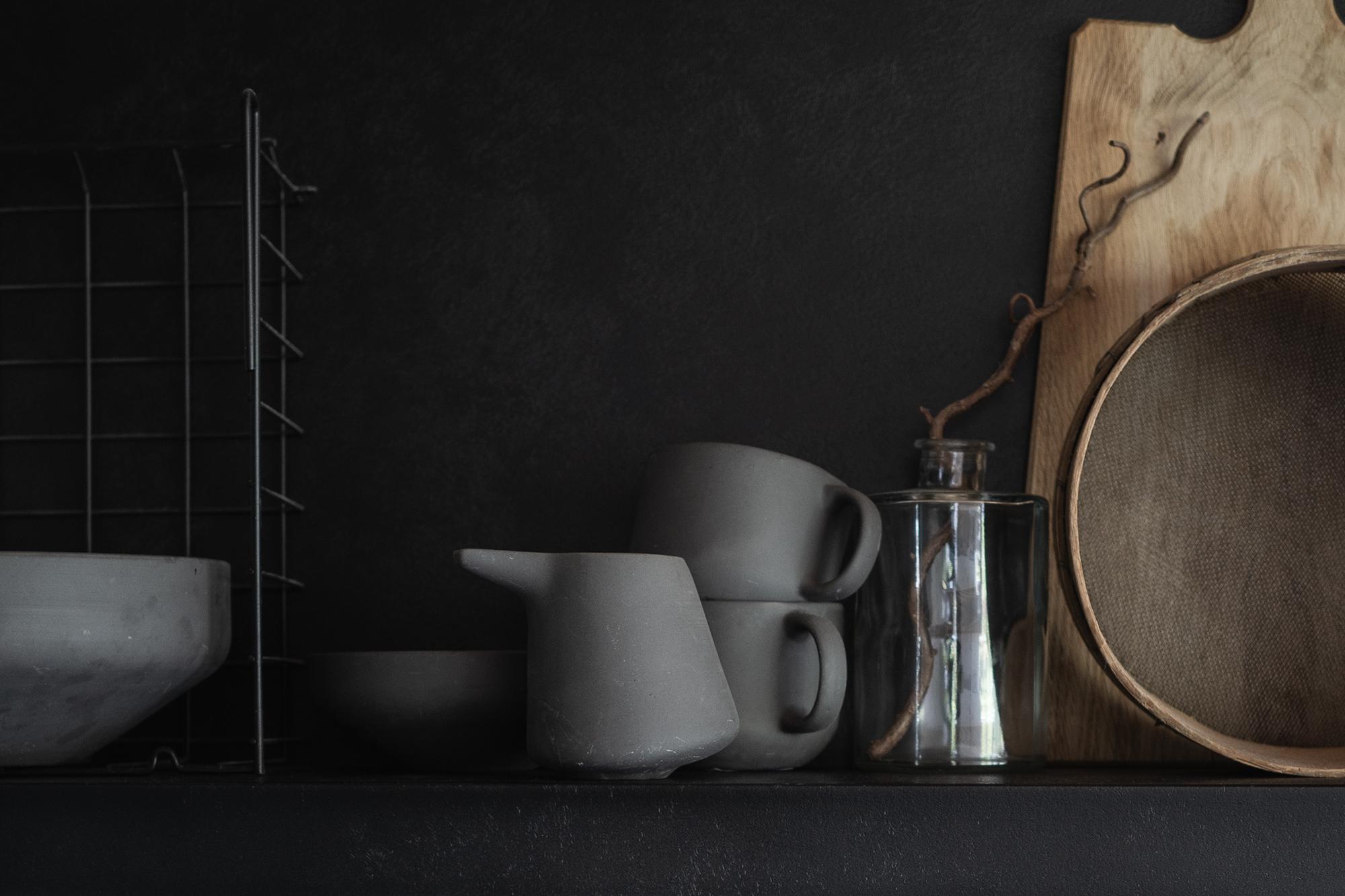Ein geradliniger Mix aus Beton und Holz